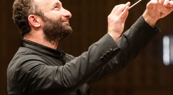 Kirill Petrenko conducts the BE PHIL Orchestra